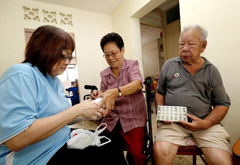 ​Two Schemes to Help More Seniors Stay Out of Hospital
