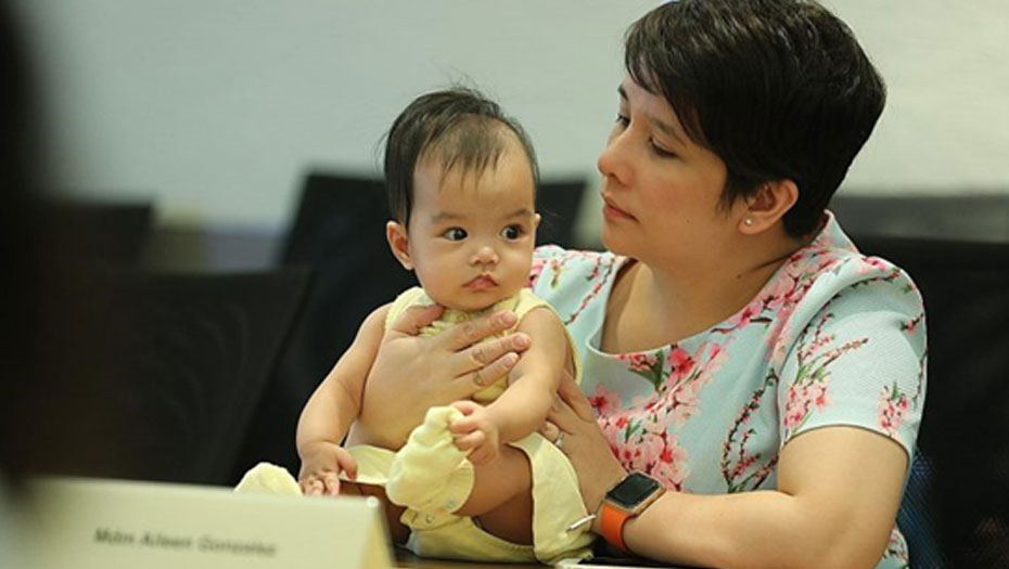 Madam Aileen Gonzalez with her baby, Taliyah Foo, who benefited from the donated milk. Most recipients were premature babies.ST PHOTO TIMOTHY DAVID