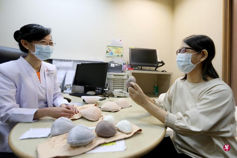 Hand-knitted breast prostheses are bigger and more fitted; Users feel more confident and comfortable