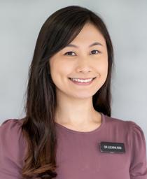 Dr Kan Yin Li, Juliana