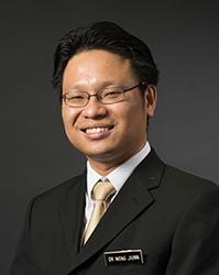 Dr Wong Jiunn